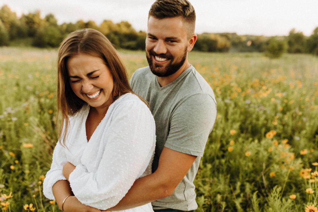 Совместимость мужчины Овна и женщины Весы