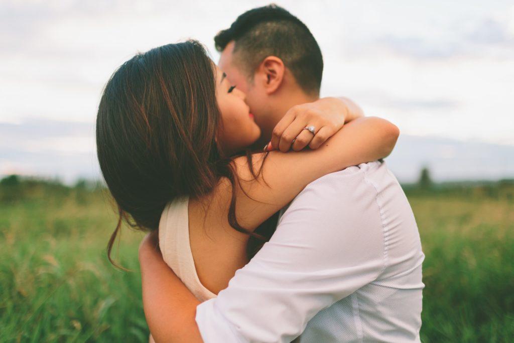 Мужчина-Телец и женщина Овен, совместимость в любви и браке
